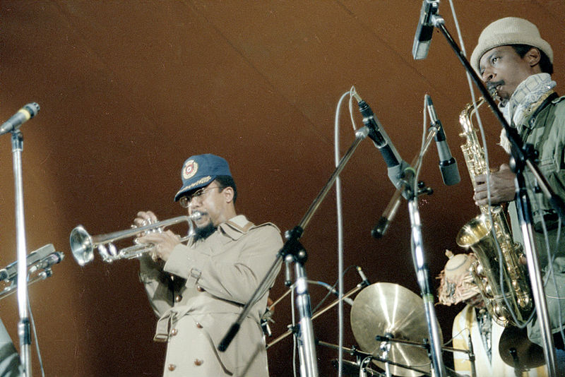 Art Ensemble of Chicago performing at the New Jazz Festival Moers, 1978. From left to right: Lester Bowie, Don Moye, Roscoe Mitchell. License: Creative Commons Attribution-Share Alike 3.0 Unported.